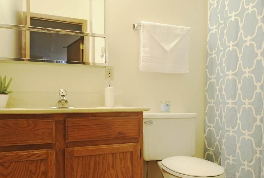 Cozy bathroom at edgerton