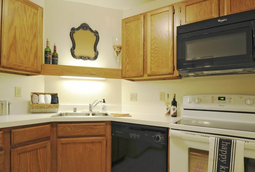 Kitchen with lots of counterspace